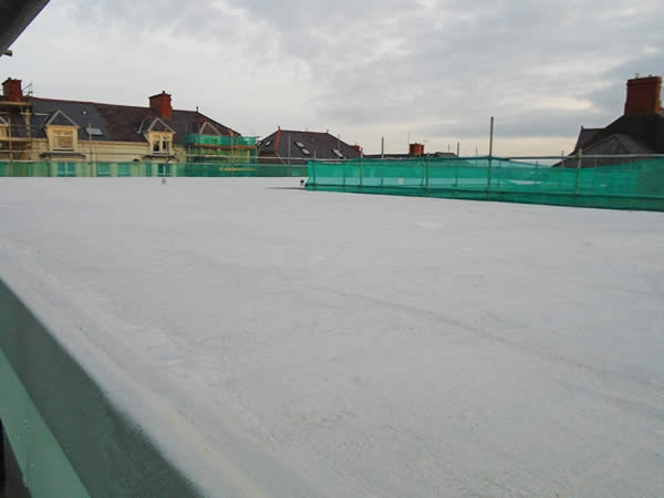 The warm roof covers an area of approximately 500 square metres.